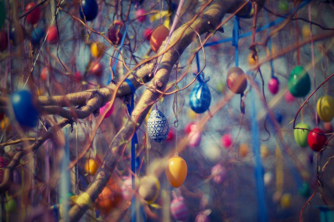 Decoriamo l'albero di Pasqua